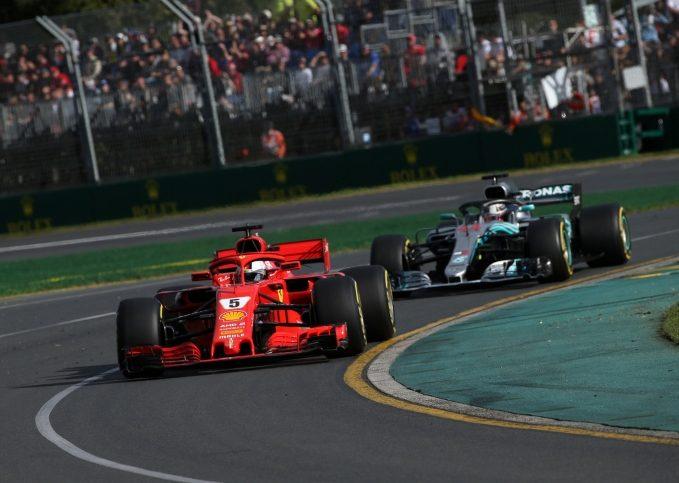 Sebastian Vettel (Ferrari), Lewis Hamilton (Mercedes)